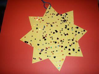 Stern für einen Adventskalender#1 - frontale Ansicht - Advent, Adventskalender, Stern, glitzern, Tasche, basteln, kleben, Tonpapier, Weihnachten