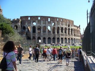 Collosseum in Rom - Colosseum, Kolosseum, Rom, Antike, Theater, Ruine, Geschichte, Amphitheater, Rundtheater, Wahrzeichen, Touristen