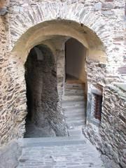 Eingang oder Durchgang - Eingang, Durchgang, Ausgang, Tor, Tür, Weg, Wege, Perspektiven, Bildimpuls