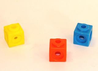 Steckwürfel - Steckwürfel, Würfel, drei, spielen