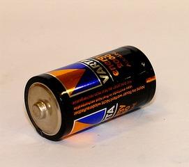 Batterie - Batterie, Akku, Zylinder, Zelle, Monozelle, Stromquelle, Spannung, Strom, Elektrizität, Energiequelle, elektrische Ladung, Energiespeicher, Energiewandler