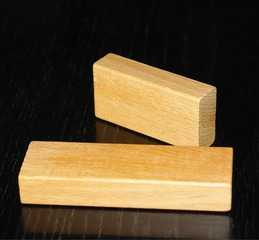 Bauklötze aus Holz - Bauklötze, Holzklötze, Quader, Holz, Baustein, Bausteine, Spielzeug, rechteckig, Rechteck, zwei
