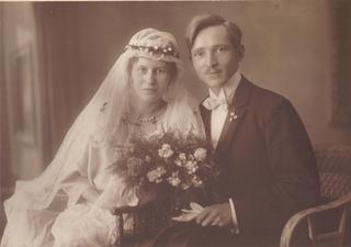 Hochzeitsbild 1922 - Hochzeitsbild, 1922, Hochzeit, Foto, Mode, Braut, Bräutigam