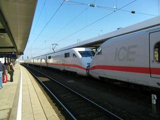 ICE - ICE Intercity Express, Zug, Bahnhof, Deutsche Bahn, Eisenbahn