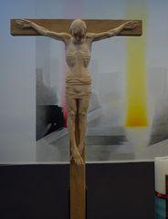 Jesus am Kreuz - Jesus, Christus, Kreuz, Liturgie, Plastik, Holzplastik