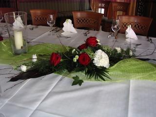Tischdekoration - Tischdeko, Serviette, Weinglas, Besteck, Messer, Gabel, Organza, Rose