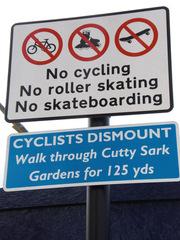 traffic sign - England, Greenwich, traffic sign, Verkehrsschild, no cycling