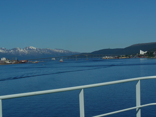Tromsö - Nordnorwegen, Norwegen, Tromsö, Fjord, Wasser, Berge, Brücke, Eismeerkathedrale, Meer, blau