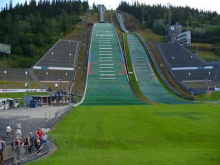 Lillehammer Skisprungschanzen - Lillehammer, Norwegen, olympische Winterspiele, Skispringen, Sommertraining, Schanze, Sprungschanze, Schischanze