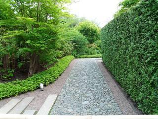 Wege #10 - Weg, Wege, Pfad, Pfade, steinig, gradlinig, Meditation, Bildimpuls