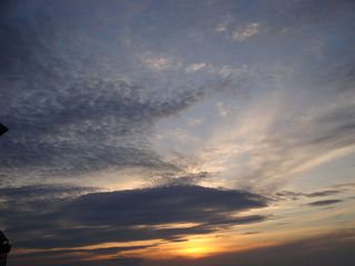 Abendhimmel - Wolken, Himmel, Sonnenuntergang, Abend, Meditation, Horizont, Himmelserscheinung, Sonne, Abendrot