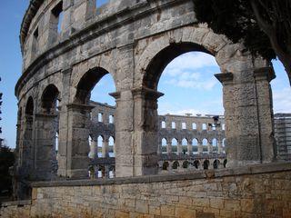 Colosseum-Pula-Kroatien#2 - Architektur, Bauweise, Colosseum, Rundbau, Amphitheater, Arkade, Außenfassade, Kalkstein