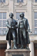 Goethe und Schiller - Schiller, Goethe, Weimar, Klassik, Nationaltheater, Dichter, Denkmal