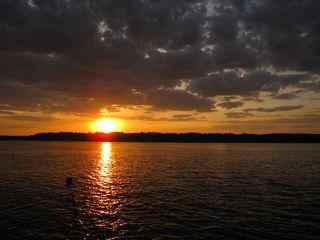 Sonnenuntergang an der Wolga#1 - Sonne, Sonnenuntergang, Russland, Wolga, Fluss, Abendstimmung, Himmel, Wasser, Landeskunde, Stimmung