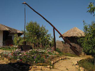 Brunnen im Garten - Russland, Dorf, Ansicht, Landeskunde, Besiedlung, Garten, Brunnen, Wasser, Versorgung, Hebel, Physik