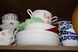 Tellerstapel - Teller, weiß, Essen, Speise, Stapel, Essgeschirr, anrichten, Speisen, Porzellan