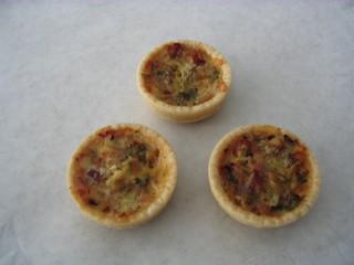 Miniquiche #2 - Miniquiche, Quiche, Tarte, Kuchen, flach, rund, Quiche lorraine, Mürbteig, Fingerfood, drei