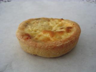Miniquiche #4 - Miniquiche, Quiche, Tarte, Kuchen, flach, rund, Mürbteig, Fingerfood