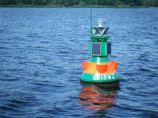 Schifffahrtszeichen#1 - Schifffahrtszeichen, Seezeichen, Navigation, Navigationshilfe, Tonne, Orientierung, Seefahrt, Lichtsignal