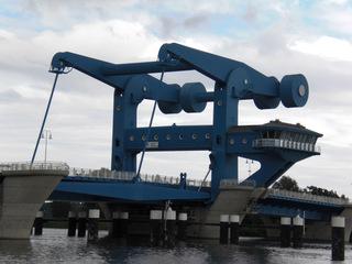 Wolgast Peenebrücke#2 - Wolgast, Brücke, Peene, Usedom, Peenestrom, Klappbrücke, Waagebalken, Gegengewicht, Hebel, Physik