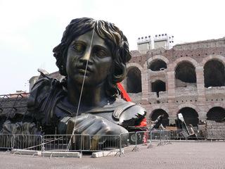 Tosca-Kulisse vor der Arena von Verona - Oper, Opernfestspiele, Italien, Verona, Arena, Tosca, Puccini, Amphitheater