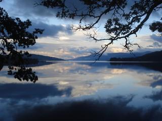 Loch Rannoch 2 - Schottland, See, Spiegelung, blau, Blautöne, Himmel, Wolken, Loch Raineach, Loch Rannoch, Stausee, Süßwassersee, Gletscher, Eiszeit