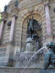 La Fontaine Saint-Michel - Frankreich, Paris, Brunnen, fontaine, archange, Erzengel, diable, Teufel, chimère, quartier Latin