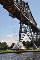 Schwebefähre # 1 - Hochbrücke, Brücke, Fähre, Schwebefähre, Schleswig-Holstein, Rendsburg, Nord-Ostseekanal, Kanal, Wasser, Fluss, Transport, überqueren