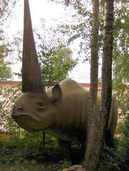 Dinosaurier in einem Dino-Park #14 - Elasmotherium - Urzeit, Dinosaurier, Saurier, groß, ausgestorben, Urzeittier, Urzeittiere, Echse, Evolution, Drache, Biologie, Dino, Fossil, Horn, Pflanzenfresser, Elasmotherium, Quartär