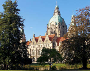 Neues Rathaus, Hannover - Rathaus, Hannover, Neues Rathaus, Gebäude, Bürgermeister, Kuppel, Aussicht, Turm, groß, Teich, Wasser, Gewässer, Maschpark