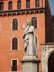 Dante Alighieri - Dante, Literatur, Italien, Verona, Le tre corone, Mittelalter, Divina comedia, Göttliche Komödie, Standbild, Statue, Dante-Statue