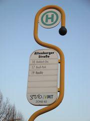 Haltestellenschild - Schild, Verkehrsschild, Verkehrszeichen, Haltestelle, Buslinie, Personennahverkehr, Personenverkehr, öffentlich, gelb, grün
