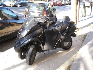 3-Rad-Scooter - Transport, Verkehrsmittel, Fahrzeug, Zweiräder, Dreirad, Scooter, trois roues, Paris