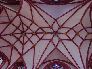 Decke der Oppenheimer Kirche - Oppenheimer Kirche, Oppenheim, Kirche, Kirchenbau, Gotik, gotisch, Deckenstruktur, Struktur, Muster, Kreuzgewölbe, Gewölbe