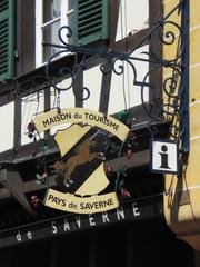 Maison du tourisme - Frankreich, civilisation, Saverne, Alsace, Elsass, tourisme, Tourismus, Touristeninformation, Tourismusbüro, maison, Schild, panneau
