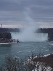 Niagara-Fälle  - Niagara-Fälle, Niagarafälle, Niagara Falls, Wasserfälle, USA, Kanada, donnerndes Wasser, Maid of the Mist, Touristenattraktion, Sehenswürdigkeit
