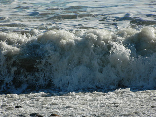 Welle - Meer, Welle, Wasser, Wasserwelle, Strand, Natur, Brandung, Küste, Mittelmeer, Côte d'Azur, Frankreich, Südfrankreich, Menton