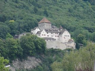 Schloss Vaduz - Vaduz, Liechtenstein, Hauptort, Hauptstadt, Schloss, Alpen, Fürstentum, Fürst, Kleinstaat, Zwergstaat