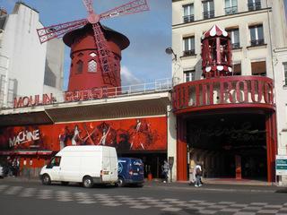 Moulin Rouge#2 - Frankreich, Paris, Montmartre, Moulin Rouge, Mühle, Windmühle, rot, Varieté, cabaret, Unterhaltung, Bühne, Cancan, Tänzerinnen, Haupteingang