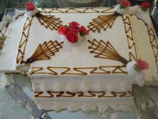 Torte - Torte, Cremetorte, Kuchen, Biskuitmasse, Verzierung, Schokolade, Marzipan, Marzipanblüte