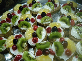 Obsttörtchen - Obsttörtchen, Kleingebäck, Biskuitmasse, Obst, Creme