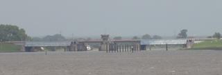 Stör Sperrwerk - Stör, Sperrwerk, Hochwasser, Hochwasserschutz, Schleuse, Elbe, Brücke