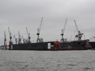 Dock - Dock, Trockendock, Hafen, Hamburger Hafen, Werft, Elbe, Reparatur, Schiff, Boot, Kran