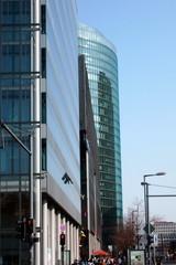 Berliner Architektur - Potsdamer Platz #3 - Ansichten, Blickwinkel, Perspektiven, Architektur, Fluchtpunkt, Haus, Hochhaus, hoch, Kunst, Rundung, Glasfassade, Reflexion, Fassade