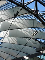 Berliner Architektur - Sony Center #6 - Ansicht, Detail, Aussicht, Konstruktion, Dach, Perspektive, Kunst, Glas, Stahl, Stoff, gefächert, Zelt