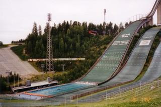 Skischanze mit Schwimmbad - Finnland, Schispringen, Schanze, Schwimmbad, Sprungschanze, springen