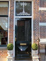 Haustür in Südholland #5 - Tür, Haustür, Eingang, Oberlicht, Südholland, Ornament, Schmuck, Stuck, Stukkatur, Hochglanz, glänzend, blank, vornehm, edel