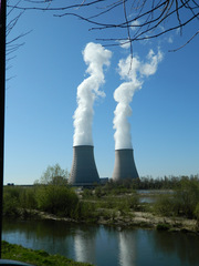 Kernkraftwerk Belleville#1 - Kernkraftwerk, centrale nucléaire, Belleville, Frankreich, Loire, Atomkraft, Kühlturm, Wasserdampf, Kraftwerk, Radioaktivität, Elektrizität, Kernspaltung, Nuklearenergie, Kernenergie, Stromgewinnung, Physik, Französisch