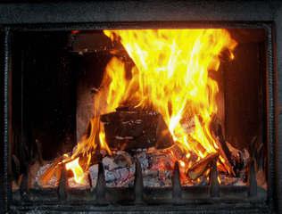 Kaminfeuer #2 - Kamin, Kaminfeuer, Feuer, Flamme, Flammen, gelb, orange, flackern, lodern, Holz, Scheite, Holzscheit, züngeln, Glut, Asche, brennen, verbrennen, Verbrennung, Wärme, Hitze, Rauch, Meditation, knistern, Funken