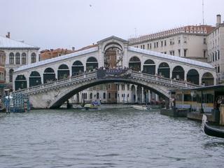 Rialtobrücke - Venedig, Touristenziele, Tourismus, Rialtobrücke, Urlaub, Brücke, Kanal